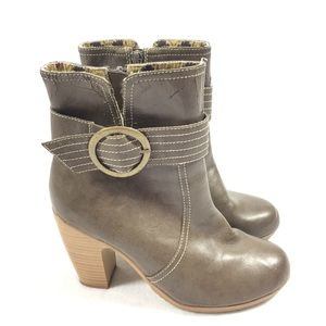 American Eagle   Heeled Ankle Boots